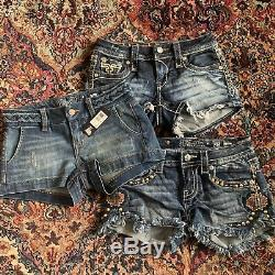 LOT Miss Me Shorts Signature Mid Rise Rock Revival Linnett 23 24 25 Embroidered