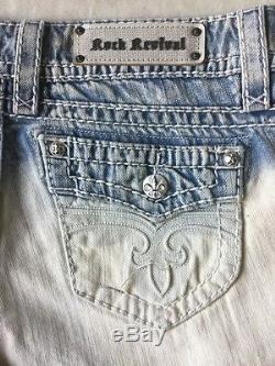 NWT & DEFECT Women's ROCK REVIVAL Low Rise Bluebell Short Size 31