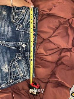 Rock revival Becky shorts distressed Such A style! Sexy 30 Some Stretch